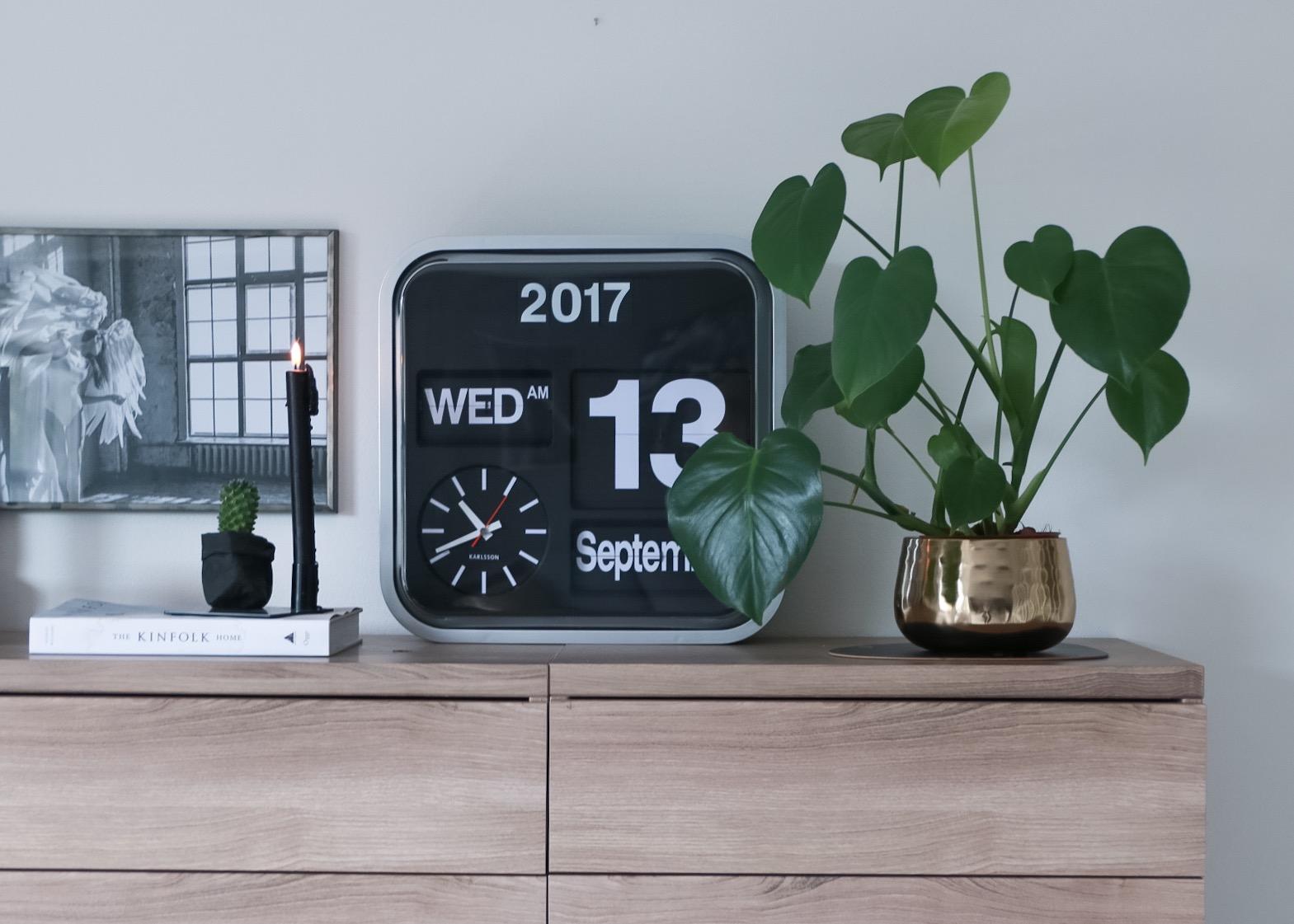 karlsson clock - hvitelinjer