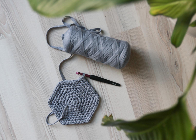 ribbon garn hobbii - hvitelinjer