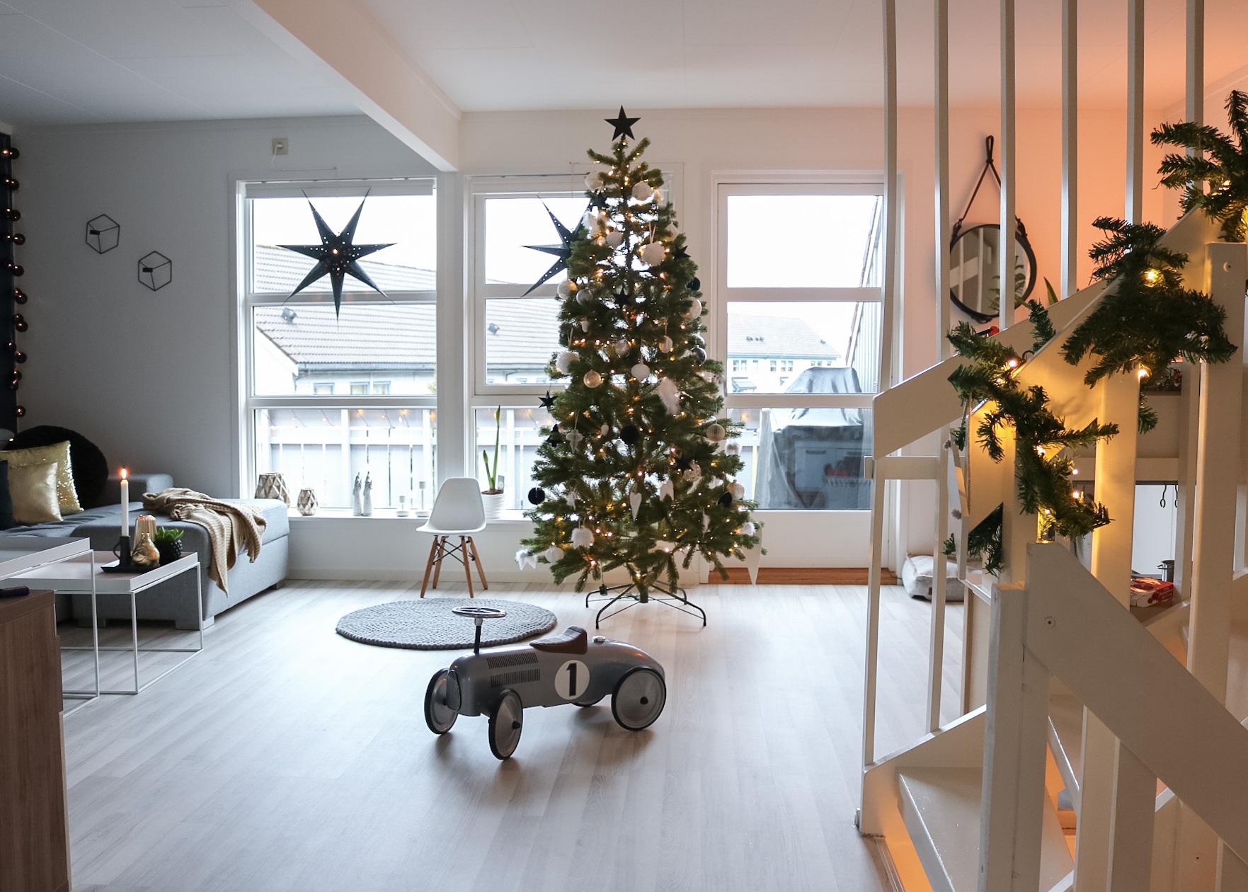 Slik pyntet vi til jul i fjor (julepynt)- HVITELINJER