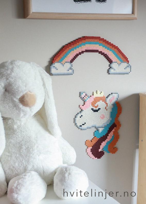 Perlemotiv enhjørning og regnbue