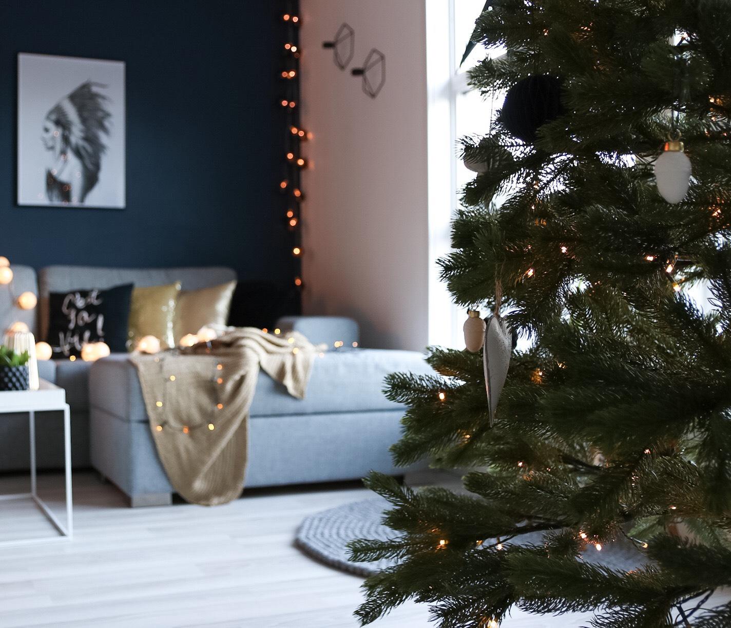 Julefølelse i svart og gull 🌟