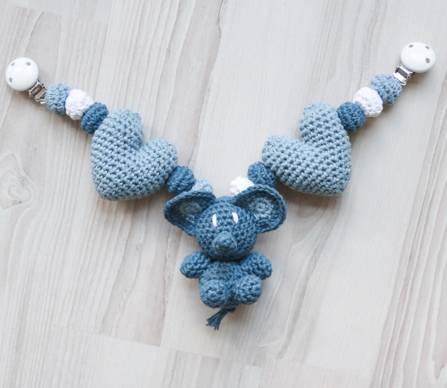 Vognleke med elefant og hjerte - Hekleoppskrift - HVITELINJER BLOGG